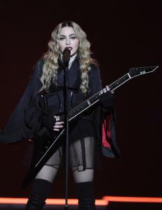 Madonnas svar til klagende fans: - Hold kjeft for faen!