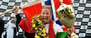 Norske Marit (39) ble første kvinne til å vinne Formel 1 i båtsport: - Det er helt sykt!