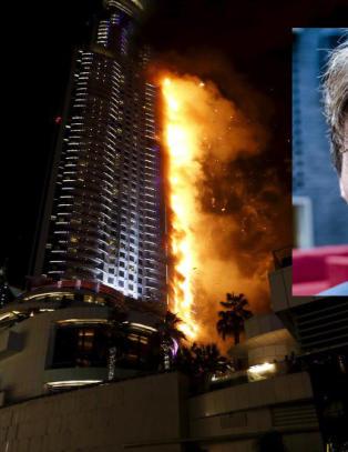 Petter Stordalen og Gunhild Stordalen bor på luksushotellet i Dubai som står i flammer, men er i sikkerhet