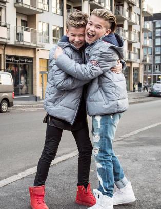 Ser du hvor Marcus (13) og Martinus (13) har hentet stilen sin fra?