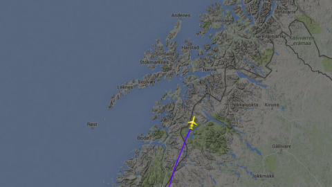 MAYDAY: Bildet viser flyets siste registrerte posisjon på radaren ved den lille byen Ritsem i Norrbottens län i Sverige. Flyet var da rundt 10 000 meter over havet. Foto: Flightradar24.com