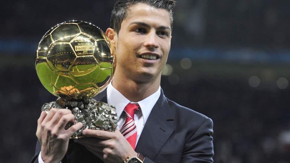 IKKE GOD NOK: Cristiano Ronaldo tok Ballon d'Or for 2008 foran Leo Messi, men argentineren finner ikke plass til portugiseren p� sin dr�mmeellever fra 2008.  Foto: SCANPIX/REUTERS/Nigel Roddis
