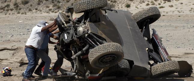 Loeb rullet og mistet ledelsen i Rally Dakar