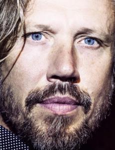 Anmeldelse: �Svin� er en dekkende tittel p� Carl-Johan Vallgrens nye thriller