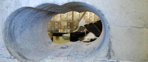 Stjal for 180 millioner i tidenes juvelbrekk. N� er sju personer funnet skyldige