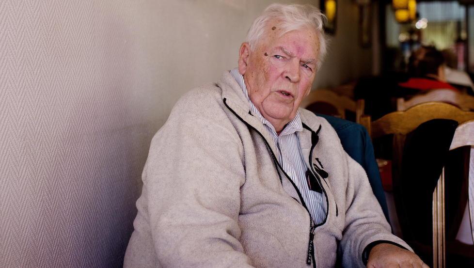 REAGERER: Æresmedlem i Arbeiderpartiet, Thorbjørn Berntsen, mener Ap burde slå hardere ned på det han omfattet som grums, rasisme og forverret hatretorikk. Han mener noe av situasjonen i Norge er uholdbar.  Foto: Agnete Brun / Dagbladet