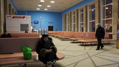 TOMT FOR FLYKTNINGER:  Fredag fikk utenriksdepartementet beskjed om at returene til Russland ville bli stoppet. Russerne sier det er av sikkerhetsmessige �rsaker. Etter det Dagbladet erfarer, s� er de russiske bussj�f�rene redde.  Foto: Sergey Grachev / Dagbladet