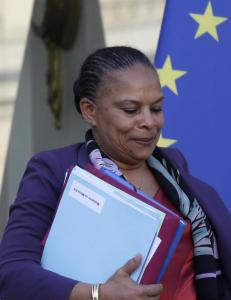 Justisministeren g�r av i Frankrike