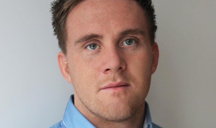 VIL STUDERE: Stian Kristoffer Solg�rd (25) ble i fjor permittert fra jobben som elektriker i oljebransjen. Han �nsker � fullf�re videreutdanningen han er halveis ferdig med, men for � gj�re det kan kan han ikke motta dagpenger fra NAV. Foto: Privat