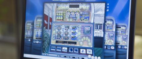 Spilleavhengig fikk tre �rs fengsel for underslag