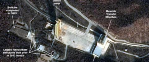 Satellittbilder tyder p� snarlig Nord-Koreansk romrakett