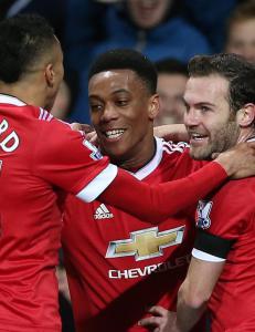 Tilskuerne kunne knapt tro det de s� da United herjet med Stoke: - Det er dr�mmefotball
