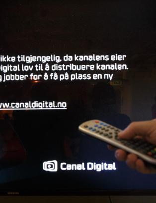 Mener kunden holdes som gissel i TV-krigen