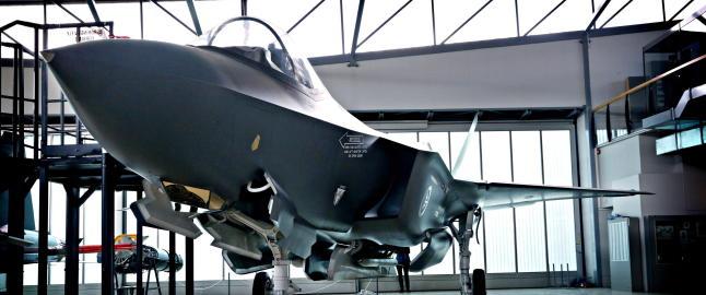 Kj�per F-35 til 260 milliarder: Tviler p� om superflyene vil kunne forsvare Norge