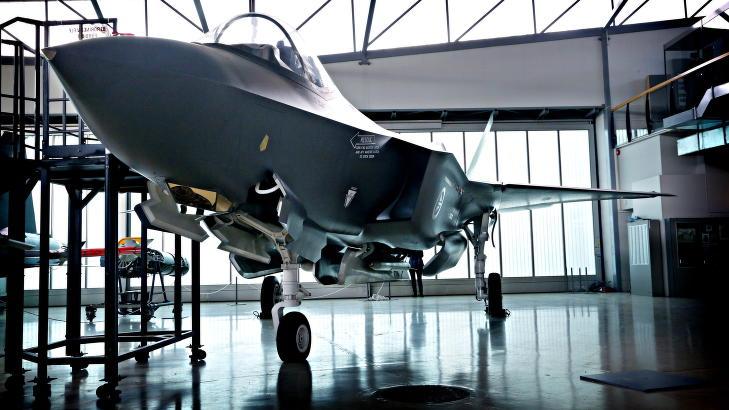 260 MILLIARDER: Det vil koste Norge totalt 260 milliarder kroner � kj�pe og drifte de 52 nye F-35 flyene. Foto: Jacques Hvistendahl / Dagbladet