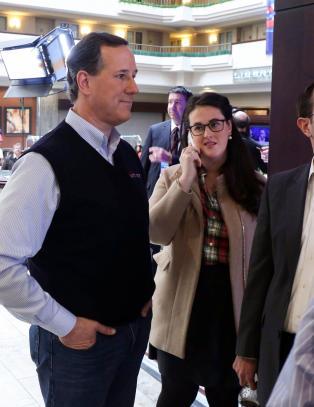 Santorum trekker seg - st�tter Rubio