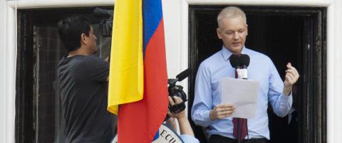 Assange sier han vil overgi seg til politiet fredag hvis han ikke f�r st�tte fra FN