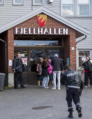 UDI i tvist med kommune: M� betale 566 000 kroner i m�neden for � huse asyls�kere i denne �gymsalen�
