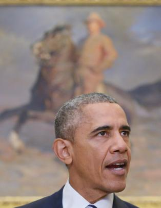 Obama foresl�r oljeavgift p� 10 dollar per fat