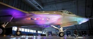 Vil avbestille jagerfly  for � vise muskler til Putin