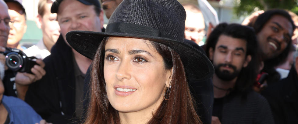 Salma Hayek hastet til akutten i uanstendig antrekk
