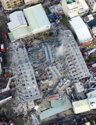 14 drept og 132 savnet etter Taiwan-jordskjelv