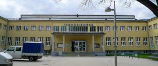 �sterriksk politi var tause: Flyktning (20) voldtok ti �r gammel gutt i sv�mmehall