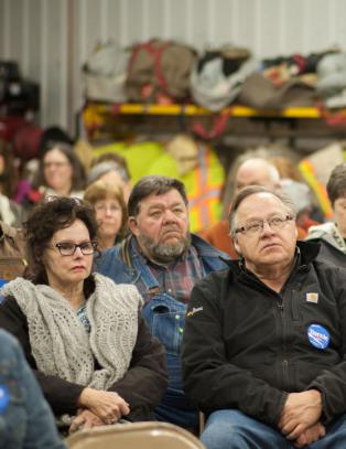 Clinton-seieren i Iowa nede i 0,25 prosentpoeng. - Det er noe som lukter blant demokratene
