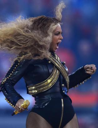 Hun kuppet Super Bowl - men det holdt p� � g� fryktelig galt for popdronninga