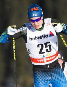 Finske Matti Heikkinen staket p� seg brudd i ryggen