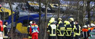 4 omkom og 15 livstruende skadet i togkollisjon i Tyskland