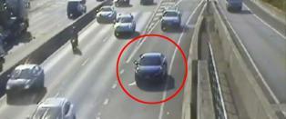 N�r sj�f�ren oppdager hva han har glemt, bestemmer han seg for � rygge p� motorveien