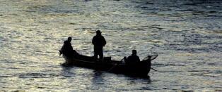 Fangstene stuper i �verdens beste lakseelv� - n� frykter de Sandbergs vekstplan
