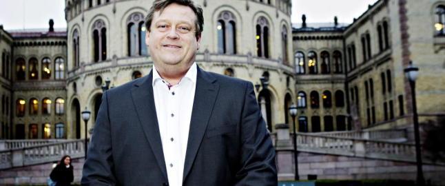 H�yre, KrF og Venstre: - Frp vingler i asylpolitikken