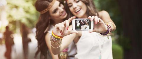 I fjor mistet 28 mennesker livet mens de tok en selfie