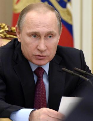 Russland sl�r tilbake mot PST