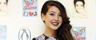YouTube-stjerna Zoe (25) tok bilde av en tilfeldig mann. To �r seinere begynte folk � reagere