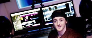 Russebusser betaler Andreas 100 000 for en l�t om sex og fyll