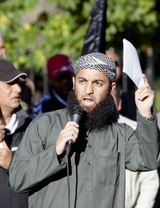- Allahs soldater er trolig et mediestunt med en stor dose ironi