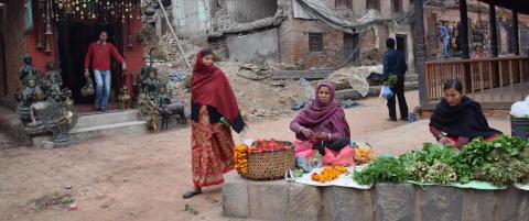 Ett �r etter jordskjelvet i Nepal, jobber landet hardt for � vinne turistene tilbake