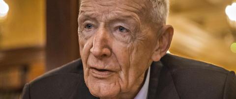 Arne Pran (79) tok ansvaret for at 16 soldater d�de i Vassdalen. Omsorgen fra de p�r�rende ble redningen
