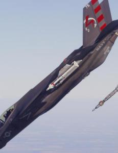 Sl�r tilbake: Hevder milliardflyet F-35 likevel er bedre enn gamle F-16