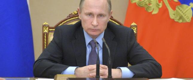 Sj�forsvarssjefen: - Putin ruster opp i nord og vi trener p� krig