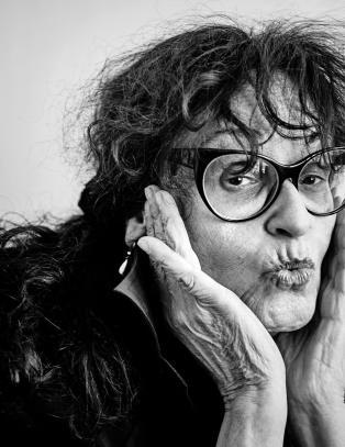 Judith Bernstein (74) er kunstens rock'n roll