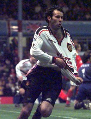 Giggs' magiske scoring mot Arsenal og sju andre omkamper som vil bli husket