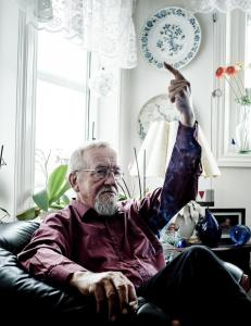 Yngve H�gensen har en melding til det norske folk: V�kn opp!