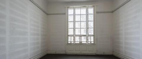 Konseptkunstens f�rste fase listet seg stille gjennom det norske hus, og forsvant ut bakd�ra f�r den rakk � sette seg