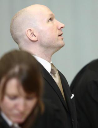 Derfor rister Breivik p� hodet i retten