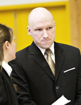 - Breivik er en bl�ffmaker