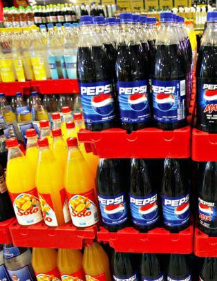 Storbritannia innf�rer sukkerskatt p� brus